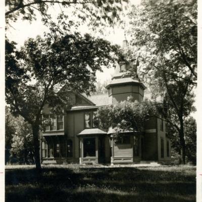 Mendota Hall Chemistry Building 01-02