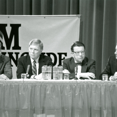 Greater Sioux City Press Club Presidential Debate, Series of 7 Photos, 1 of 7