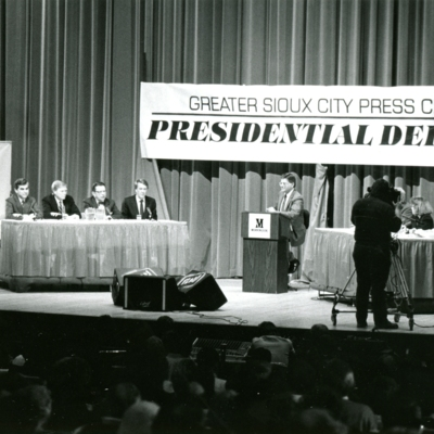 Greater Sioux City Press Club Presidential Debate, Series of 7 Photos, 5 of 7